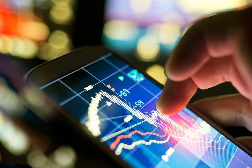 Celular mostrando Big Data aplicado ao Marketing